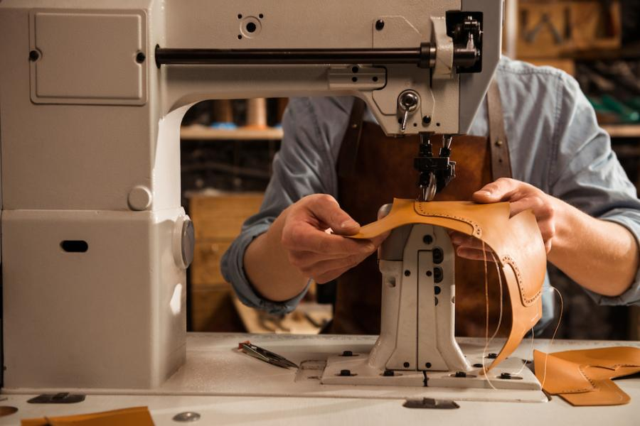 Why You Should Buy an Industrial Sewing Machine