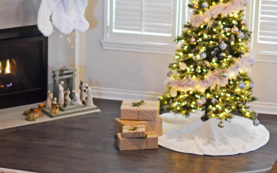 How to Sew Your Own Christmas Tree Skirt
