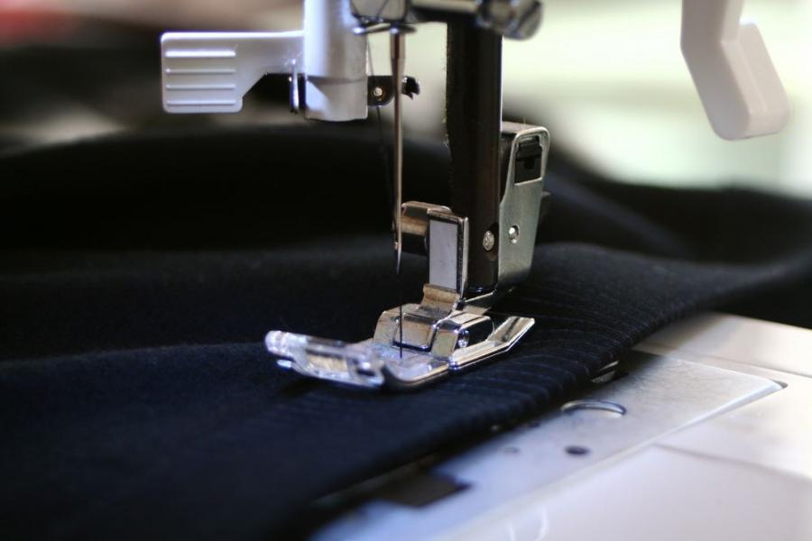 Tips to Avoid Injuries While Sewing