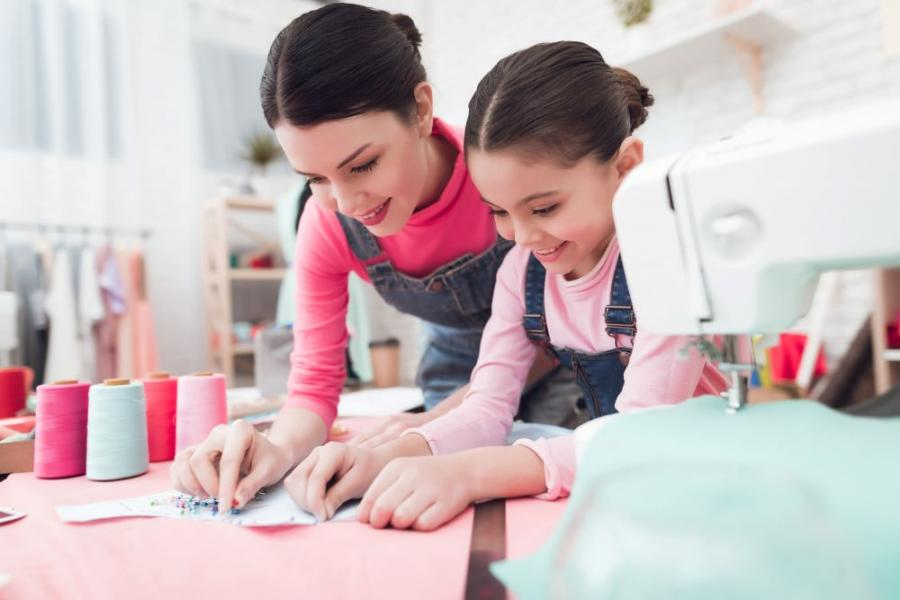Top 5 Tips for Teaching Your Kids to Sew