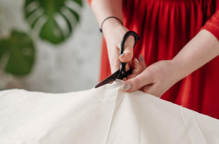 5 Ways to Cut Fabric