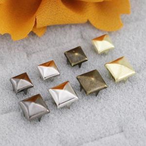 Prong Rivets - Square Pyramid