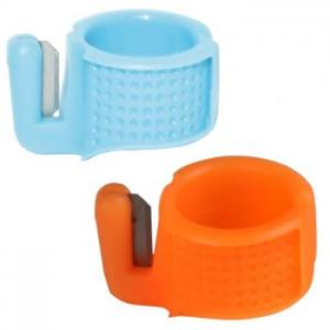 Thimble, Plastic Ring with Thread Cutter (1 pc)