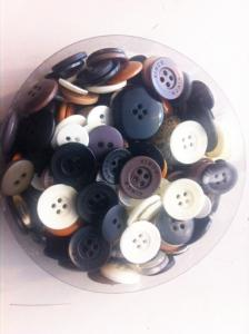 Mixed buttons, MANY SIZES & COLORS