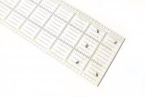 Quilting Ruler and Guide (Metric)