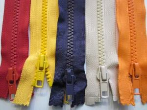 #5 Molded Plastic Separating Jacket Zippers